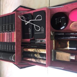 O Boticário dá dicas de organização de maquiagem para aproveitar o tempo em casa