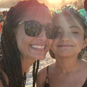 Camila Pitanga revela que ela e filha estão com malária: