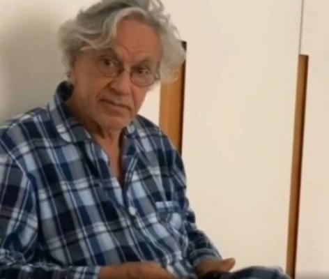 Caetano Veloso rebate críticas por uso de prato e faca como percussão em live do Globoplay