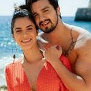 Luan Santana e Jade Magalhães Terminam Noivado Após 12 Anos de Relacionamento