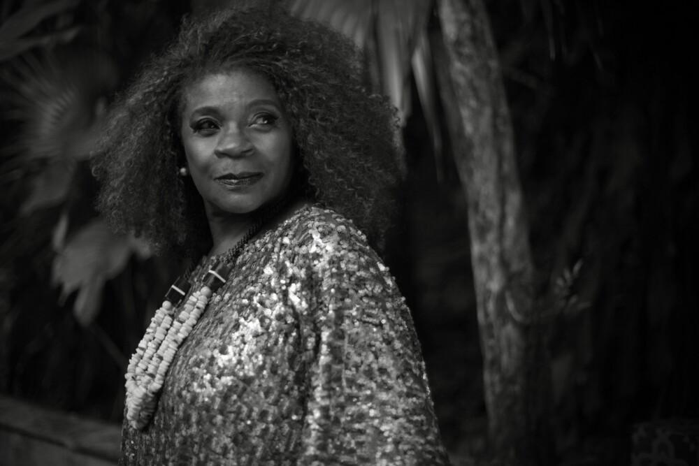 Zezé Motta celebra o Dia da Mulher Negra em live inédita com música, militância e solidariedade